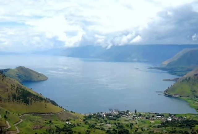 The Largest Lake In Indonesia - Toba Lake