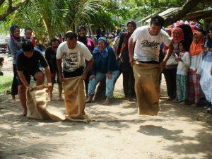 Indonesia sack race