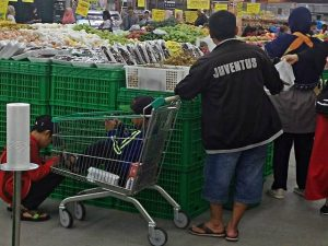 another function of shopping trolley invented by Indonesian