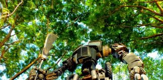 You can see Optimus Prime in Indonesia 06